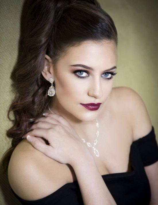Paige-Cassetta-4